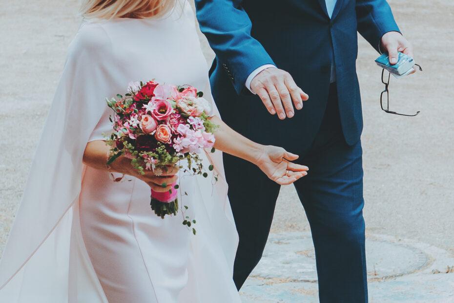 Hochzeitsfotografie Paar Hand in Hand
